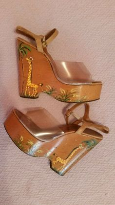 VTG. 70'S BONNIE SMITH FOR KIMEL GIRAFFE PAINTED WONDER WEDGES WOOD PLATFORMS 7