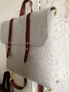 feltro e zaino valigetta di cuoio di fluxproductions su Etsy