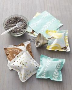 Sachets filled with lavender for drawers or with rice and peppermint placed in freezer for kids ouch packs
