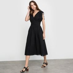 Discover our collection of Midi & Knee Length dresses at La Redoute - perfect for the office, a night out, or for sophistication tous le jours. Capsule Wardrobe Work, Robes Midi, Dobby, Mi Long, Knee Length Dresses, Night Out, Shopping, Style, Collection
