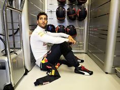 Like most of the drivers that made it into Q3, Daniel Ricciardo claimed that the yellow flags caused by Fernando Alonso hurt is…