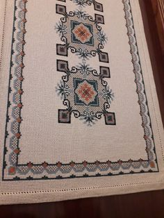 Cross Stitching, Diy And Crafts, Bohemian Rug, Embroidery, Crochet, Punto De Cruz, Dots, Needlepoint, Ganchillo