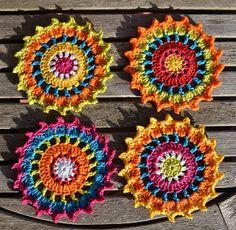 Coasters- free crochet pattern from Atelier Marie-Lucienne - pretty!