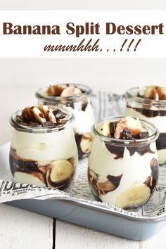 Sweet Desserts, Sweet Recipes, Delicious Desserts, Dessert Recipes, Banana Split Dessert, Parfait Desserts, Tasty Bakery, Good Food, Yummy Food