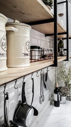 Things That You Need To Know When It Comes To Industrial Decorating You can use home interior design in your home. Loft Kitchen, Kitchen Sets, Home Decor Kitchen, Interior Design Kitchen, Cottage Kitchens, Home Kitchens, Industrial House, Industrial Style, Kitchen Organisation