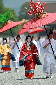Aoi-Matsuri, Kyoto - In front of the exit gate of the Imperial place by Takero Kawabata