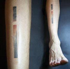 Abstract shin tattoo.                                                                                                                                                                                 Más