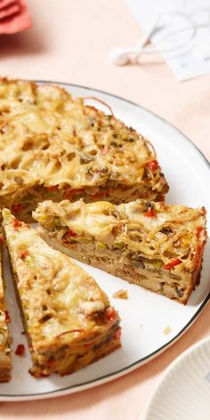 Normale Pasta-Rezepte kann und kennt vor allem jeder. Überrasche deine Freunde mit etwas Neuem und stell einen Pasta-Pie auf den Tisch. Du wirst sehen wie gut er schmeckt und ankommt.