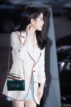 Iu Fashion, Korean Fashion, Fashion Outfits, Airport Fashion, Love U Forever, Airport Style, Korean Actors, Kpop, Korean Singer