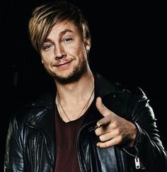 Samu Haber! So hot...