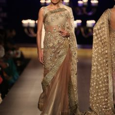 India Couture Week (ICW) – Manish Malhotra's Runway Show - Indian Wedding Site Home - Indian Wedding Site - Indian Wedding Vendors, Clothes, Invitations, and Pictures. India Fashion, Asian Fashion, Runway Fashion, Trendy Fashion, Latest Fashion, Indian Dresses, Indian Outfits, Modern Saree, Indian Look
