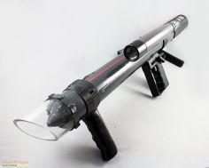 www.yourprops.com movieprops original yp_525424538134d4.75185658 Space-1999-Armour-Piercing-Laser-1.jpg
