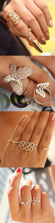 Stylish statement and multi-finger rings. You can rock any, even simple one, outfit with these cuties. Hair Jewelry, Body Jewelry, Jewelry Rings, Jewelery, Jewelry Accessories, Slave Bracelet, Bangle Bracelets, Mid Rings, Mode Boho