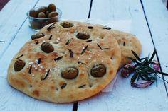 FoodLover: Focaccia pro každého Dumplings, Pizza, Bread, Cookies, Baking, Buns, Food, Salt, Crack Crackers