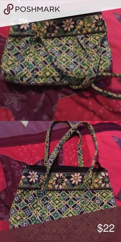 """Vera Bradley Daisy Daisy Purse and Pencil Bag This is a Retired pattern from Vera Bradley named Daisy Daisy. It's in great condition, no rips or stains. It has 6 interior pockets and one exterior. It measures 12 1/2 W x 8 1/2"""" long.  Both in amazing condition. Vera Bradley Bags Shoulder Bags"""