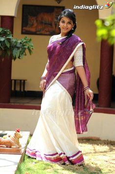 Beautiful Girl Indian, Most Beautiful Indian Actress, Beautiful Girl Image, Beautiful Saree, South Indian Actress Hot, Indian Actress Hot Pics, Indian Actresses, Hot Actresses, Indiana Girl