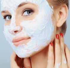 How to make homemade facials, homemade face masks, homemade facial cleanser, night creams and the best moisturizer for a clean face and good skin for any skin type and age! These homemade facial skin care recipes include chocolate facials, blueberry faci… Homemade Facial Mask, Homemade Facials, Homemade Masks, Homemade Products, Health Guru, Health Trends, Beauty Secrets, Beauty Hacks, Beauty Tips