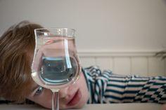 White Wine, Alcoholic Drinks, Glass, Kunst, Drinkware, Corning Glass, White Wines, Liquor Drinks, Alcoholic Beverages