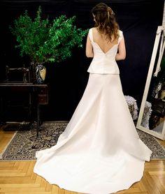 """""""Βάλε τ' άσπρα σου, γίνε κρίνο και βγες από τη γλάστρα σου"""" Photo by George Adamos #bridal #meglam #unique_design #love #handmade"""
