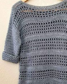 Clothing Simple Crochet Sweater Pattern - Making your own sweaters is easier than you might think! Just start with 2 rectangles and add some sleeves! Clothing Source : Simple Crochet Sweater Pattern - Making Débardeurs Au Crochet, Pull Crochet, Mode Crochet, Crochet Woman, Double Crochet, Crochet Tops, Crochet Baby, Ravelry Crochet, Crochet Granny
