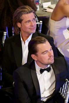 US actor Brad Pitt with Leonardo DiCaprio accepts the award for Outstanding Performance by a Male Actor in a Supporting Role during the Annual Screen Actors Guild Awards show at the Shrine Auditorium in Los Angeles on January Bradd Pitt, Leonardo Dicaprio Photos, Brad Pitt Photos, Look Kylie Jenner, Leonardo Dicapro, Kathryn Newton, Celebrity Moms, Celebrity Photos, Celebrity Style