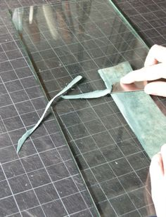 Observations on Blade Angles of English Style Leather Paring Knives