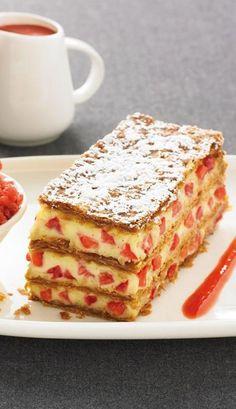 Millefeuille à la vanille et granité de fraises