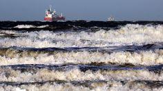"""Tief """"Axel"""" fegt über Norddeutschland: Ostseeküste bereitet sich auf Sturmflut vor"""