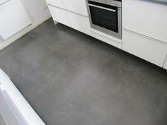 Keuken met betonlookvloer