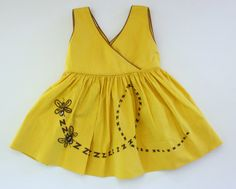 Mila summer 2015. 1950s girl's dress / yellow bee children's dress / 50s novelty print dress / toddler size 2T