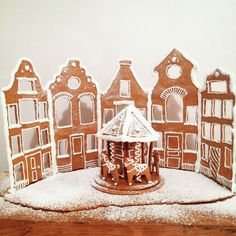 Town Centre - made out of gingerbread Christmas Mood, 12 Days Of Christmas, Christmas Treats, Christmas Decorations, Holiday Decor, Koti, Making Out, Gingerbread, Centre