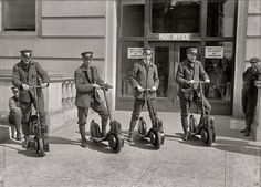 Retro cars #elder#vintage#old fashioned,outmoded,mustu 1915 ... postal scooters! | www.shorpy.com/