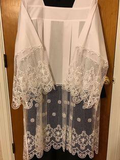 http://www.ebay.com/itm/Surplice-Cotta-Vestment-Size-M-/201909767525?hash=item2f02c28d65:g:x2oAAOSwjDZYacOr