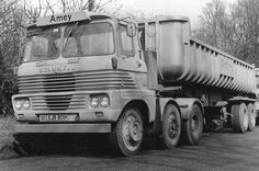 SCAMMELL - old school HGV.