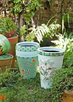 Vaso decorado com mosaico                                                                                                                                                      Mais