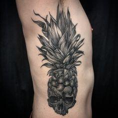 Ou un crâne bio. | 49 idées sublimes de tatouages noir et gris