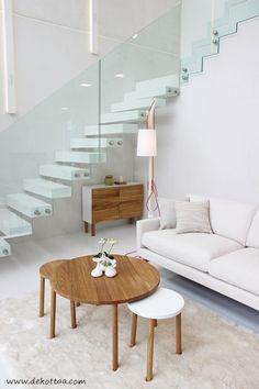 Dekottaa, olohuone, lasikaide, tamminen pöytä, Vantaan asuntomessut 2015