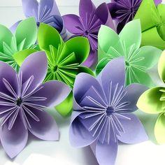 El origami o papiroflexia es el arte japonés que permite obtener figuras y formas decorativas de singular belleza.. https://redespress.wordpress.com/2015/01/17/la-leyenda-del-origami/