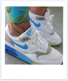 Floral pants and Nike Air Max #sneakers