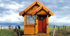 81 minutes | This is journey into the tiny homes of people searching for simplicity, self-sufficiency, minimalism and happiness by creating shelter in caves, converted garages, trailers, tool sheds, river...
