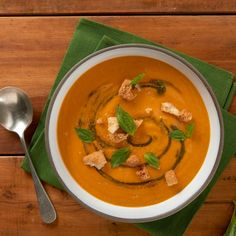 A world of Thermomix® recipes - Cookidoo® brings you delicious food all over the world. With thousands of recipes and ideas, you'll find mouth-watering inspiration every time you log in. Gazpacho, Prosciutto, Pasta E Fagioli, Thai Red Curry, Soup Recipes, Buffet, Yummy Food, Ethnic Recipes, Drinks