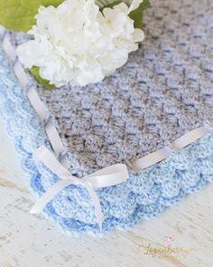 gray and blue crochet blanket, scallop edge blanket, free crochet blanket, how to crochet a baby blanket, crochet baby girl blanket with free pattern