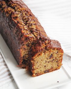 Cake moelleux banane, chocolat & Sucre muscovado – Les Dégustations Dangereuses Dessert Recipes, Desserts, Mini Cakes, Cheesecakes, Nutella, Tea Time, Banana Bread, Biscuits, Muffins