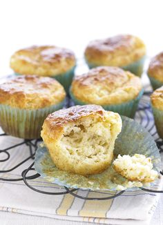 Marmite and cheddar muffins: Marmite adds a deliciously savoury kick to these cheesy muffins. They make a delicious on-the-go snack, and are a great way to use that jar in your cupboard. Mini Muffins, Savory Muffins, Cheese Muffins, Savory Snacks, Cheese Scones, Savoury Baking, Savoury Cake, Marmite Recipes, Vegemite Recipes