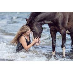 Welsh Pony · Welsh Pony Photography · Welsh Pony Black · Welsh Pony And Cob · Ostsee Bilder Usedom · Pferd Meer · Pferd Strand · Mensch Pferd Shooting · Mensch Pferd Fotografie · Pferdefotografie · Pferdefotograf · Horse Photography · Horse Photoshoot · Equine Photography · Equestrian Photography · Equine Photoshoot · Pferdefotos · Pferdeportrait · Pferdeshooting · Horse Pictures · Horse Portrait · Horse Shooting Welsh Pony, Horse Portrait, Horse Pictures, Equine Photography, Cob, Strand, Equestrian, Photoshoot, Horses