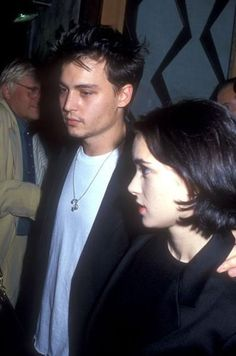 johnny depp and winona ryder Johnny Depp Winona Ryder, Young Johnny Depp, Pretty People, Beautiful People, Winona Forever, Tv Show Couples, Johny Depp, Old Movies, Celebrity Crush