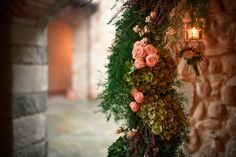 Country style Floral arc. Photo Credit: Andrea Corsi
