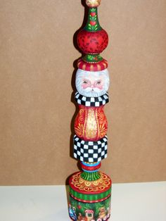 Painting Folk Art Pieces with patterns that anyone can paint. These folk art patterns are by Rosemary West. Christmas Ornaments To Make, Christmas Wood, Primitive Christmas, Santa Ornaments, Christmas Snowman, Christmas Decor, Candlestick Crafts, Painted Candlesticks, Tole Painting Patterns