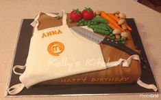 Anna is a big fan of cooking shows so for her birthday she is having a Master Chef themed party & this is the cake I made for her. The design was inspired by a cake I saw by Norie's Kitchen. The vegetables were a lot of fun to make :-). Birthday Cakes For Women, Themed Birthday Cakes, Themed Cakes, Birthday Dinner Menu, Birthday Dinners, Master Chef, Chef Cake, Birthday Woman