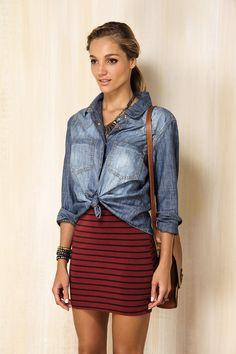 Usar com vestido de caveiras azul marinho ou saia bandage